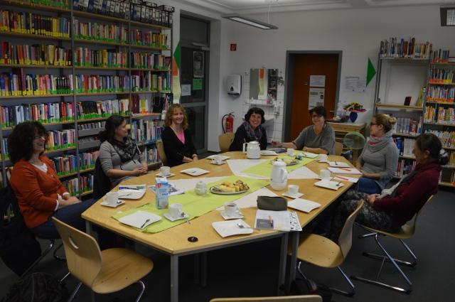 Das Bibliotheksteam bei der Sitzung zum Schuljahresbeginn